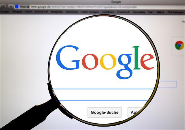 google, lupa, vyhledávač